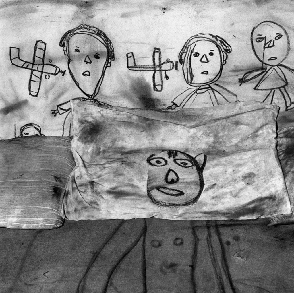 Roger Ballen, Collision, 2005 Edition 7/10 50 x 50 cm © Roger Ballen / Courtesy Galerie Karsten Greve