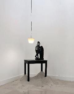 Alexandra-Guillot,Table de nuit_Exposition_Contes-de-l'homme-meublé_le-22-Nice