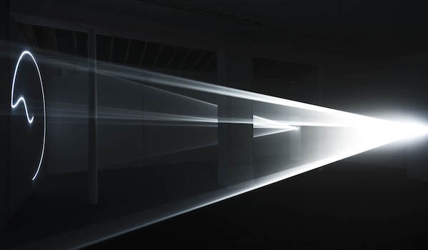 [EXPOSITION] 15/10 ▷ 07/01 – Anthony McCall – Leaving (With Two-Minute Silence) – Villa Arson – Nice
