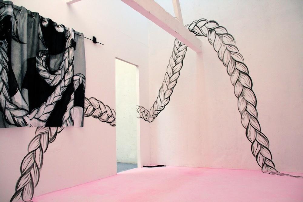 Vue de l'exposition personnelle Capillus deLise Stoufflet du16 au 29 juin à l'artist-run space Mutatio, Nantes.