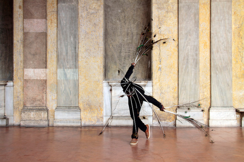 Moussa Sarr, Narcisse Metamorphosis Peacock Man, Courtesy the artist and gallery Isabelle Gounod, © Isabelle Caplain