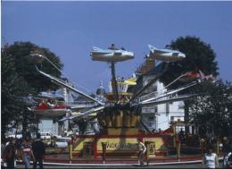 Claude Lévêque – Human Fly – 25/05 au 29/09 – Au LiFE – base des sous-marins, Saint-Nazaire
