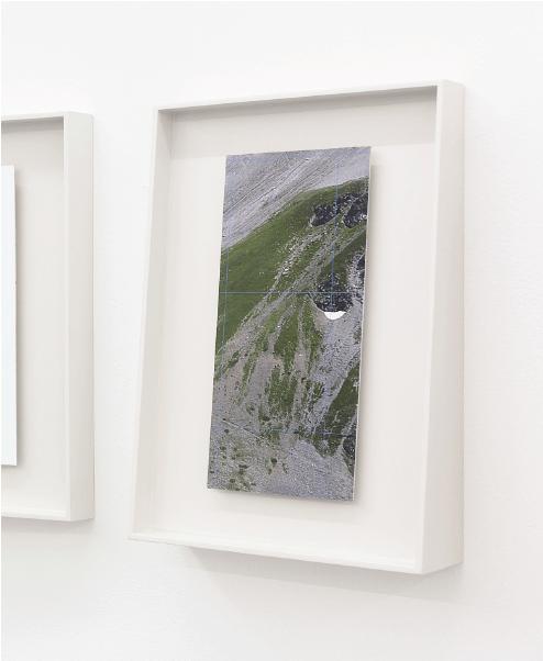 Morgane Denzler, extrait de la serie Point de vue, impression numérique sur aluminium sur cadre en bois, 11x26 cm, 2014.