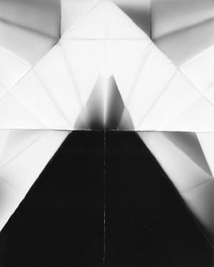 Gilles Pourtier, Avion, série Voyelles, 2018, tirage jet d'encre pigmentaire, 90 x 73 cm.